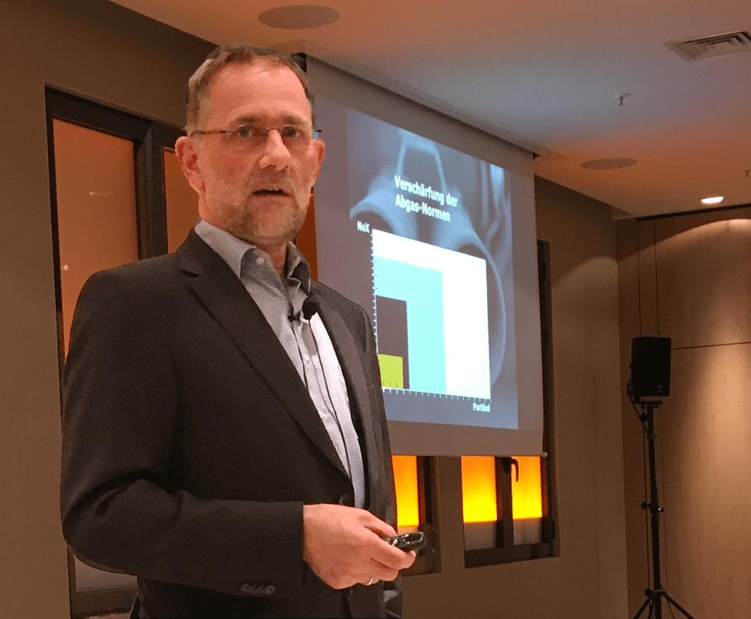 KMU Berater Andreas Noll beim Vortrag